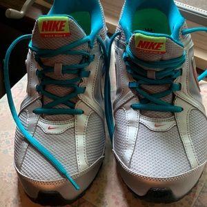 EUC 9.5 Nike REAX running shoes